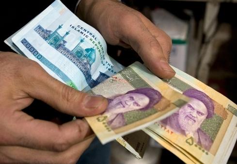 میزان افزایش حقوق کارمندان دولت اعلام شد