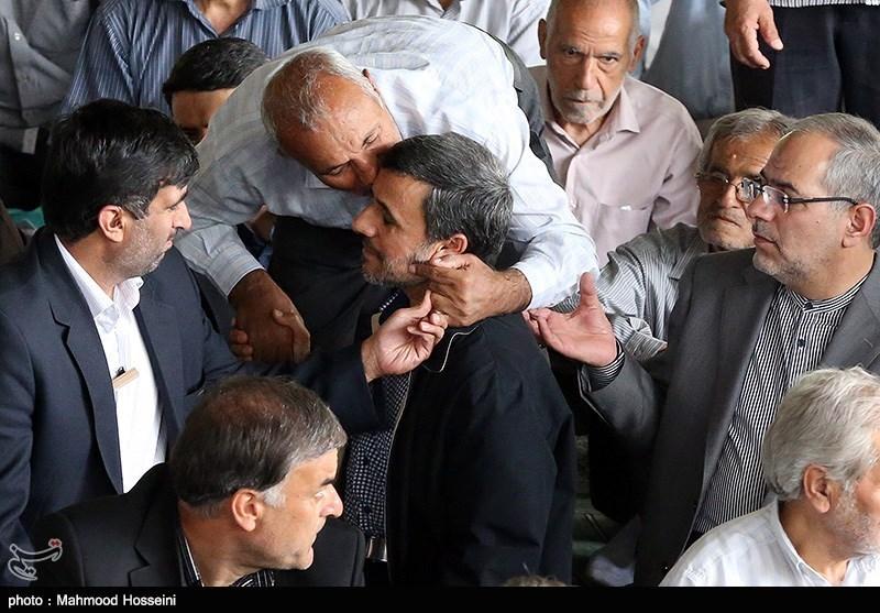 تصاویر/ حضور دکتر احمدی نژاد در نماز جمعه امروز تهران