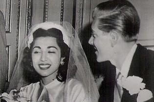 ازدواج جنجالی دختر رضاشاه با یک مرد آمریکایی را بخوانید