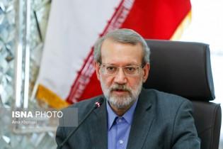 لاریجانی: ایرانیها در برابر فشارهای آمریکاییها مقاومت میکنند